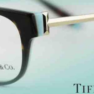 メガネサロンルック4丁目プラザ店にて、ティファニーのメガネフレームをGET