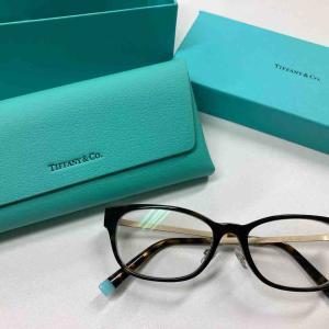 メガネサロンルック4丁目プラザ店にて、ティファニーのメガネフレームをGETし届きました。