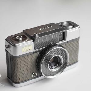写真で語るなカメラを語れ!OLYMPUS PEN EE