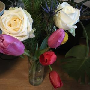白薔薇を愛でる♡美しい花♡ 花飾り