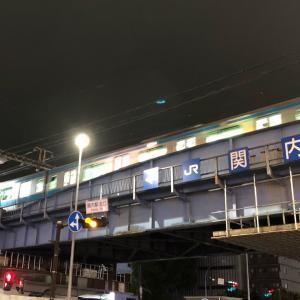 夜の関内駅 ホーム 撮り鉄 (^^;