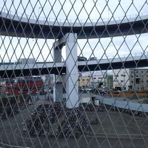 千本松大橋自転車保管所