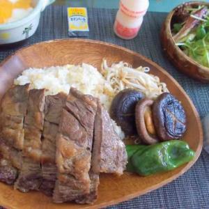 ◆ガーリックライス&焼いた肉