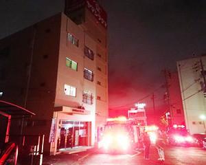 駿河区小黒1丁目、建物火災出動