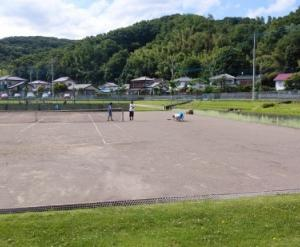 親子テニスと同級生コーチ