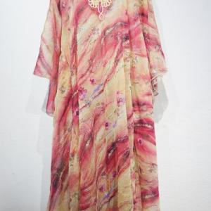 スパンコール装飾入りのハリージドレスが再入荷