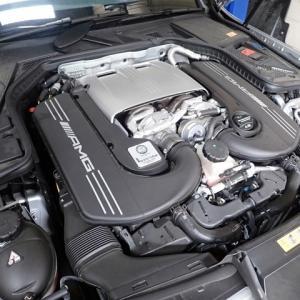 AMG C63S エンジンオイル交換とか!