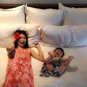 10か月の娘とフィジーのホテルに到着!