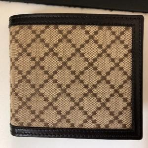 グッチ 二つ折り財布 ブランドをお買取りさせて頂きました!