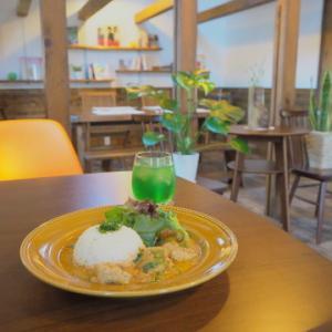 ココナッツチキンカレー:かなぎカフェmelo(五所川原市)
