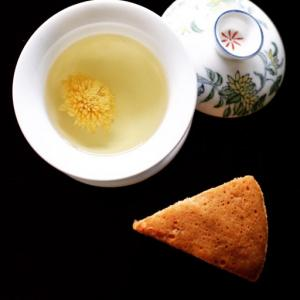 菊花茶と馬拉糕