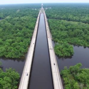 アチャファラヤ・ベイズン橋、今週も工事