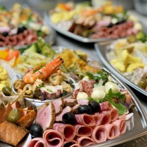 ご親族のお集まりに~お寿司とオードブルで ♪