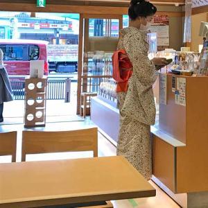 祇園の舞妓さんもマスクでコロナウイルス予防