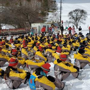 宮内中学校スキー教室1日目はフカフカの雪の上で