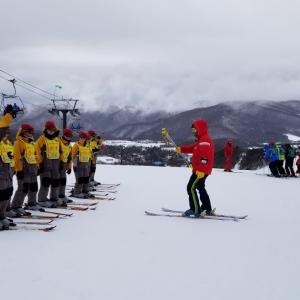 北本東中学校スキー教室3日目 ミゾレが降っても元気に!