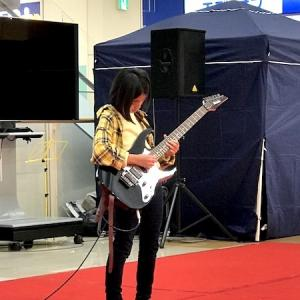 三田のイオンモールで小4の生徒さんがギター弾いてきました!