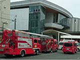 【画像】 学研都市線・長尾駅で人身事故 「目の前で飛び込んだ」「叫び声ヤバすぎ」「女の子泣いてた・・」 緊急車両集結で騒然