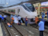 【画像】 常磐線・水戸駅で人身事故 「目の前で」「飛び込んだ」「泣いてる」「もう電車乗れないぐらいトラウマ・・」 緊急車両集結で騒然