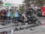 【画像】 乗用車がトラックに追突し大破・炎上、男女3人死亡 車がエグい姿になっていると衝撃走る = 北海道苫小牧