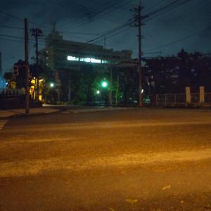 那覇合同庁舎前から明石蛸三郎です #台風6号