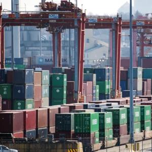 海運ヤバい! アメリカだけでなく、カナダでも船便の荷揚げ大渋滞。「価格転嫁への圧力が高まっている」と物流業者 #海運