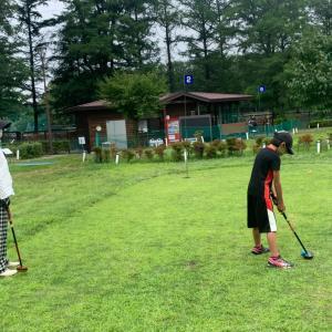 家族でパークゴルフ