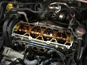 VW ゴルフワゴン(1JBFQ) タペットカバーパッキンオイル漏れ修理