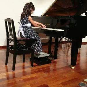 お気に入りの5歳女の子誕生日プレゼント♪それと、ピアノ発表会本番!