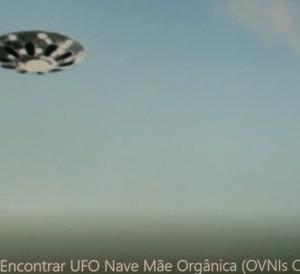 変わった形のUFO 別編 (HA 02:円盤型UFOと仮面母船)