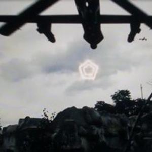 変わった形のUFO 別編 (IF17:六角輪のUFOとドローン)