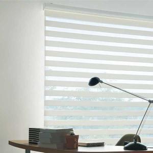 ◆ブラインドみたいなロールスクリーン?
