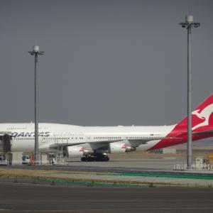 カンタス航空 B747 カンガルーロゴでお別れ