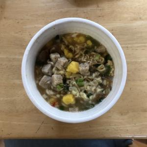 日清のカップヌードル 鶏白湯