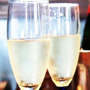 正統派フレンチのフルコースとシャンパンとワイン。 料理研究家 指宿さゆり