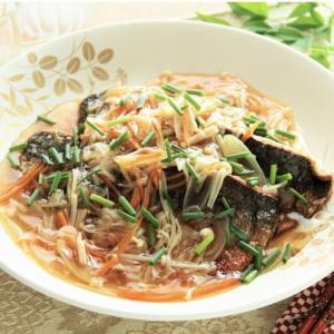 あんかけは美味しい揚げ魚の野菜あんかけ。 料理研究家 指宿さゆり
