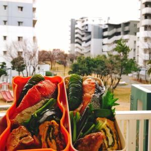 蟹ご飯&焼き鮭弁当