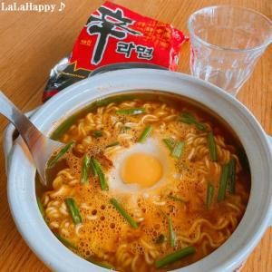 韓国番組を見ると食べたくなる辛ラーメン