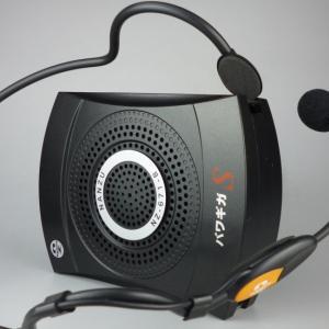 どこにでも持ち運べる小型軽量アンプ 拡声器
