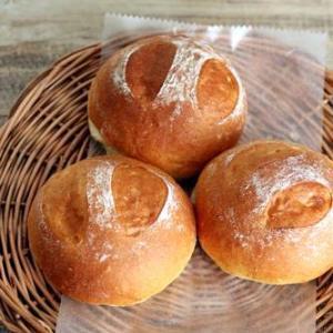 全粒粉入りテーブルパンとぶどうパン