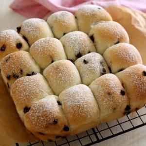 スクエア型でチョコチップちぎりパン