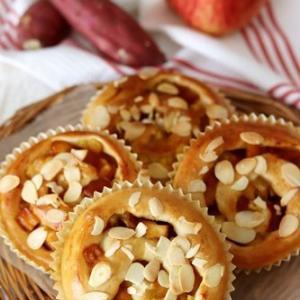 さつまいもとカラメルりんごのくるくるパン