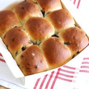 2種のちぎりパンキットで、チョコチップパンとドッグパン