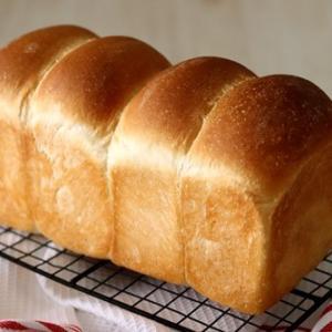 食パン4分割は、型入れが難しい件