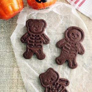 ハロウィンに!ほねほねスタンプクッキー!