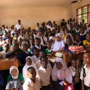 農村滞在キンゴルウィラ村その4☆スワヒリ語で読み聞かせ!☆『人々の交流と民族音楽』AT2019