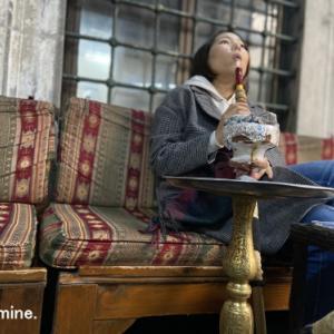 トルコの霊廟跡のシーシャ屋さんで水煙草体験。【動画あり】