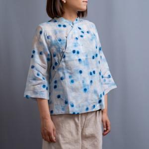 【涼し気リネンのチャイナシャツ】水玉チャイナとアジサイ。