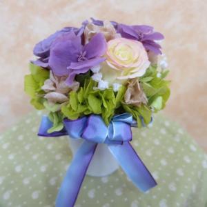 薄紫のダイアンサスで上品な仏花