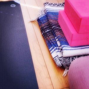 ryt200 yogaスクールで勉強中!